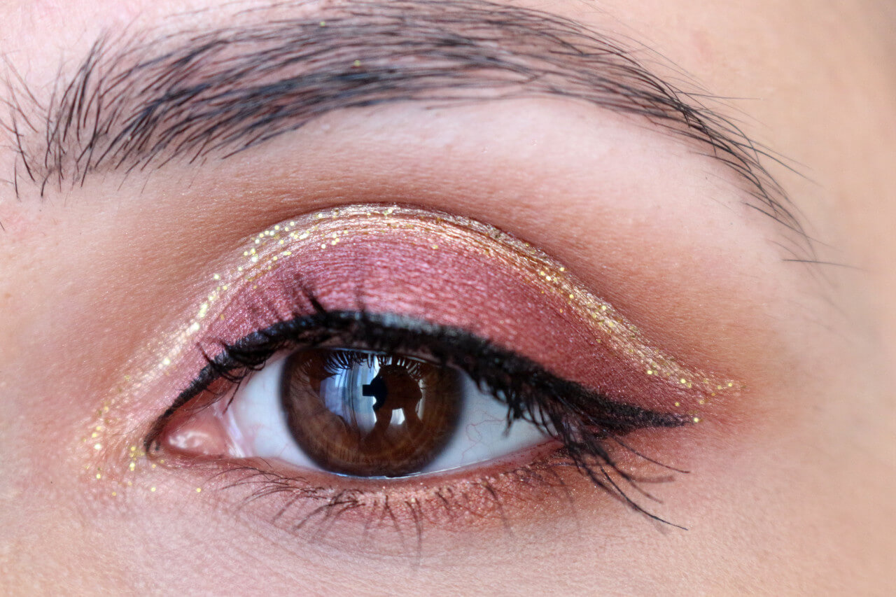 cut_crease_gold_glitter_msc