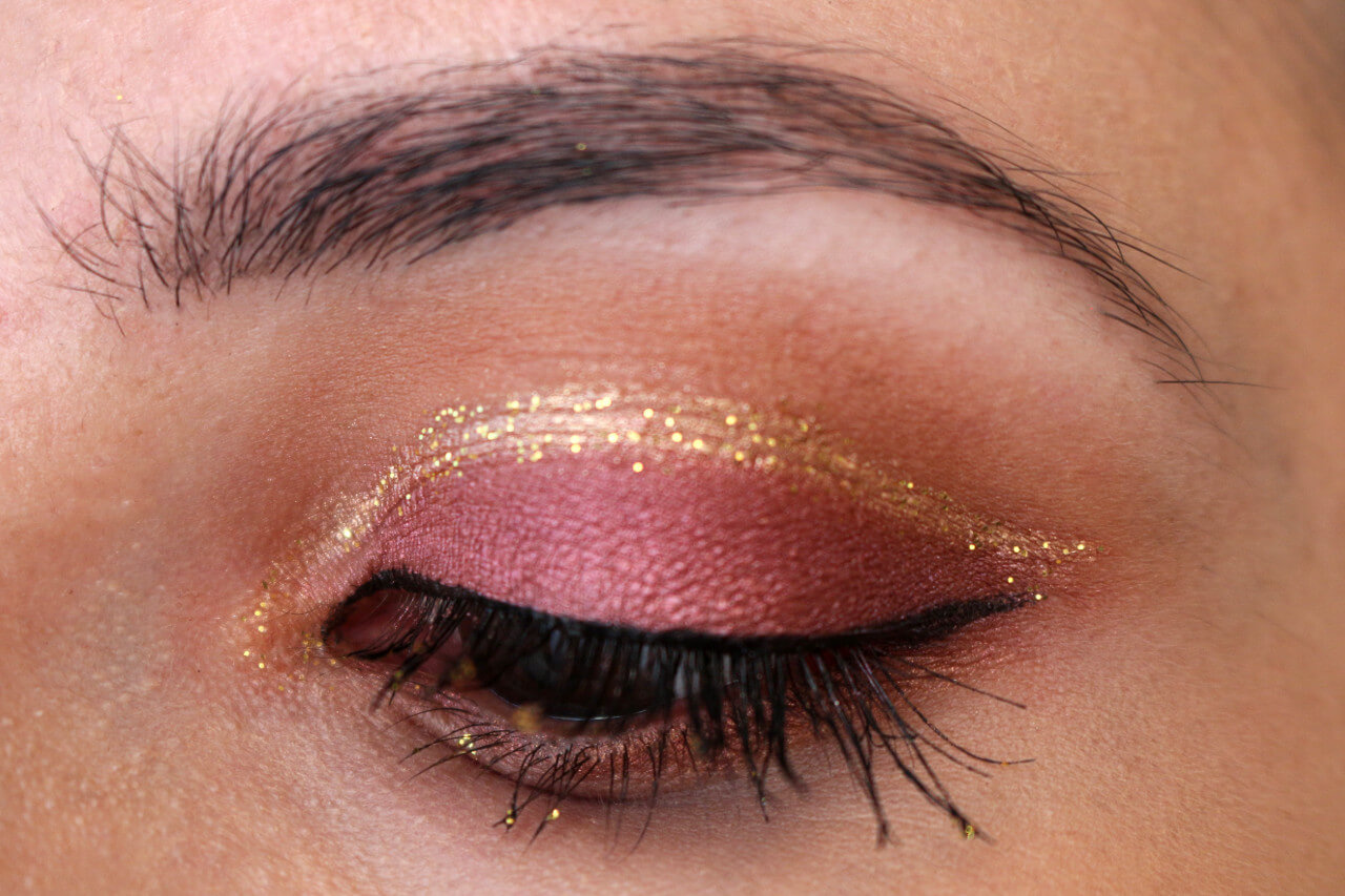 cut_crease_gold_glitter_msc_3