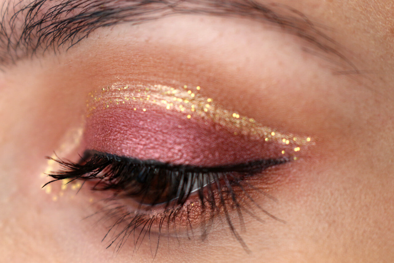 cut_crease_gold_glitter_msc_4
