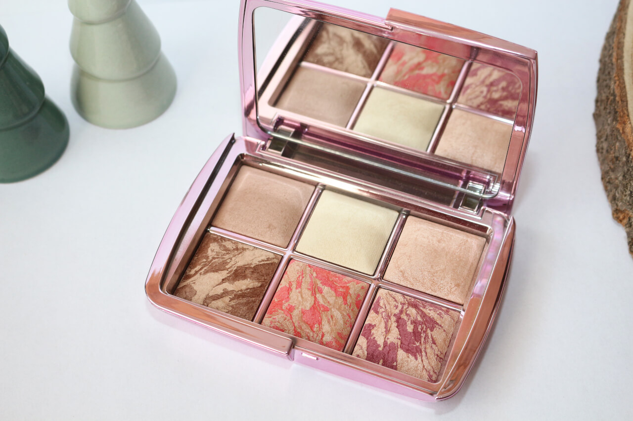 Favoris Palette ambient lighting edit volume 4 Hourglass